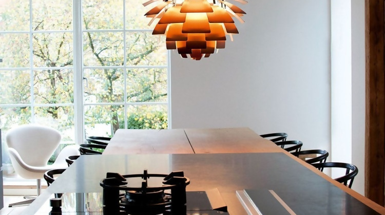The Ultimate Guide to Setting Up the Artichoke Lamp in a Multitude of Indoor Spaces